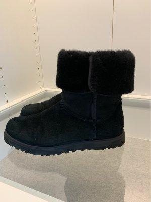 UGG Boots schmale Form Schwarz Gr 39 wie Neu