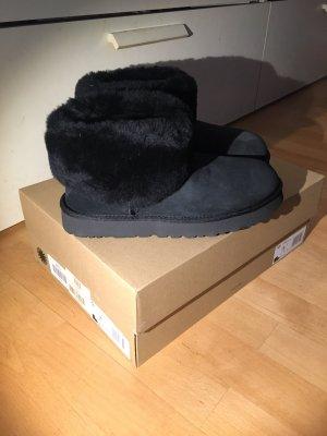 UGG Boots schwarz Fell Gr.38 neu in OVP