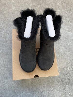 UGG Boots schwarz Schleife