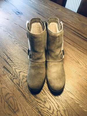 UGG Boots Stiefel