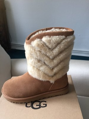 UGG Fur Boots camel leather