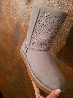 ugg boots us size 37