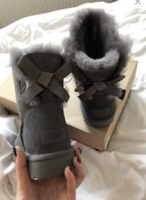 Ugg Boots W Mini Bailey Bow II Grey + Pflegeset