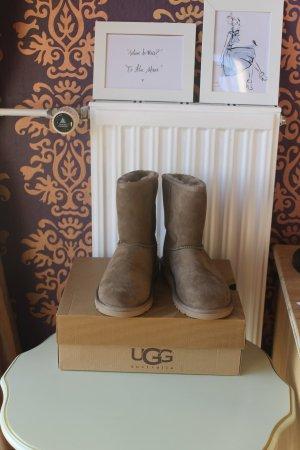 Ugg Classic Boots-Snowboot  braun Gr.36 UK 5 fallen wie 38 Eu.Gr.aus