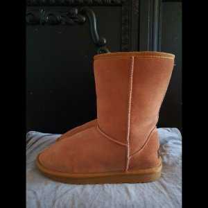 Ugg Classic Short Boot 41