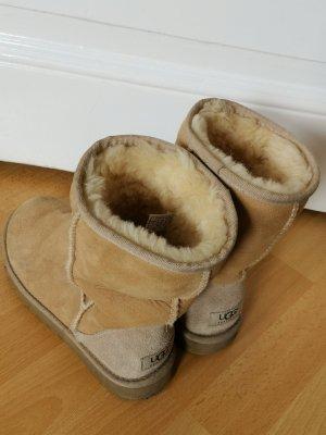 UGG Classic Short Boots Short Stiefel Lammfell Veloursleder hellbraun Gr. 37