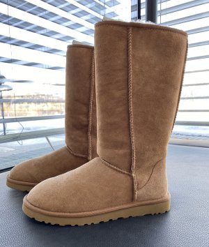 UGG - Classic Tall Boot in Chestnut (ungetragen)