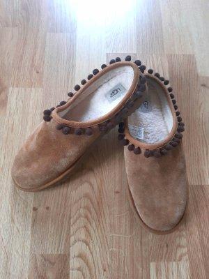UGG Zapatos formales sin cordones multicolor