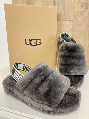 UGG - Fluff Yeah Logo slide - grey