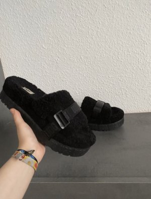 UGG Scuffs black