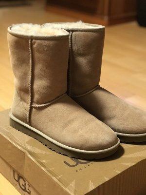 UGG Futrzane buty beżowy Skóra