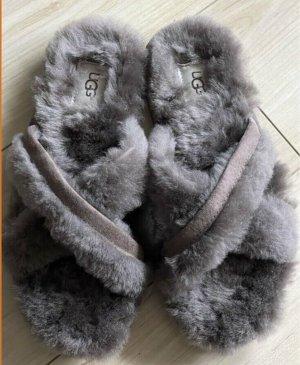 UGG Sandalo comodo marrone-grigio