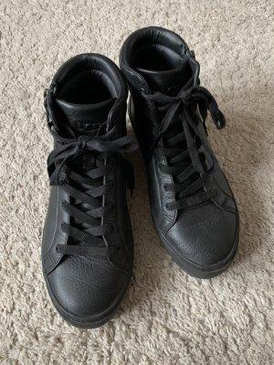 UGG Basket montante noir cuir