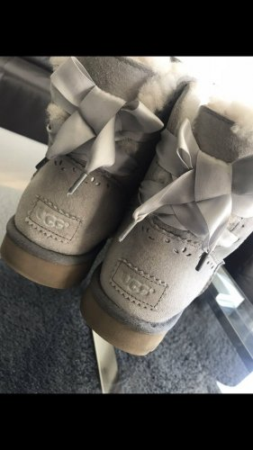 UGG  Limited Edition: Dixi Flora