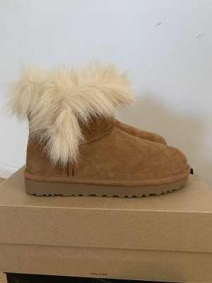 UGG mini boot