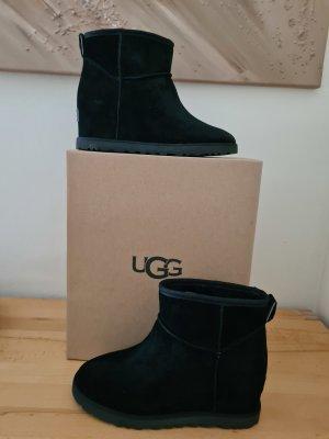 UGG Mini Classic schwarz Größe  40 Neu