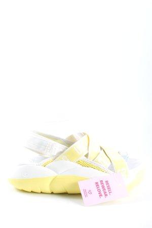 UGG Plateau-Sandalen blassgelb-weiß Schriftzug gedruckt Casual-Look