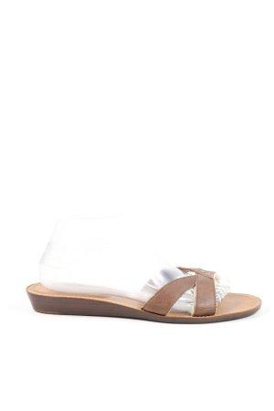UGG Sandalo con cinturino marrone stile casual