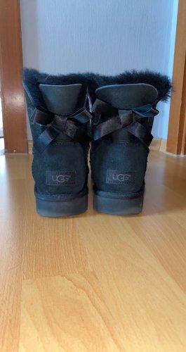 UGG Botas de piel negro