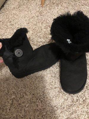 UGG schwarze boots