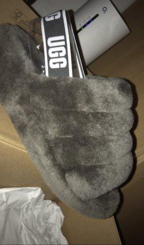 UGG Sandalo outdoor grigio