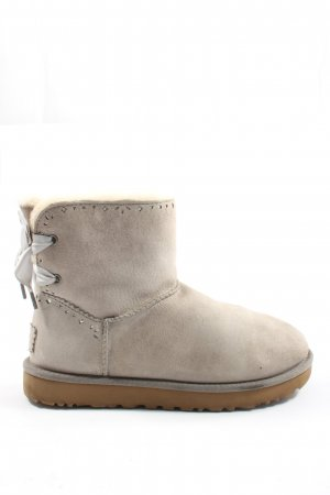 UGG Botas slouch gris claro look casual