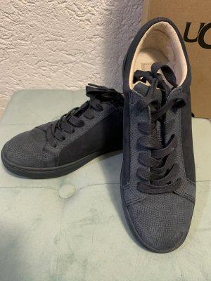 UGG Sneaker