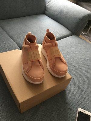 UGG Sneaker con zeppa bianco sporco-crema
