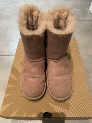 UGG Winter Boots dusky pink
