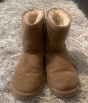 UGG Botas de nieve marrón claro-beige