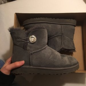 Uggs mini button bailey bling