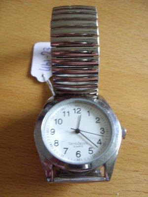 Montre avec bracelet métallique argenté-gris clair métal