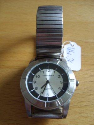 Montre avec bracelet métallique gris clair-argenté métal
