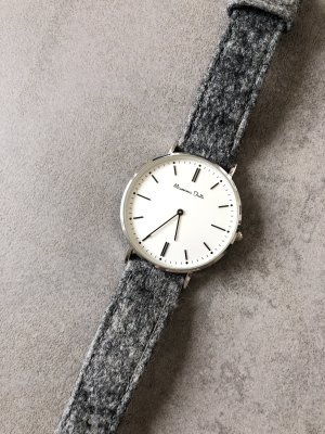 Massimo Dutti Reloj digital gris