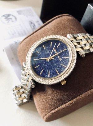 Uhr mit blauem Zifferblatt MK