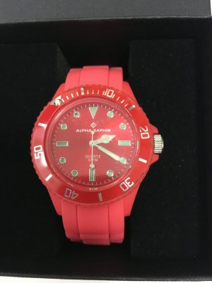 Alpha Saphir Montre rouge