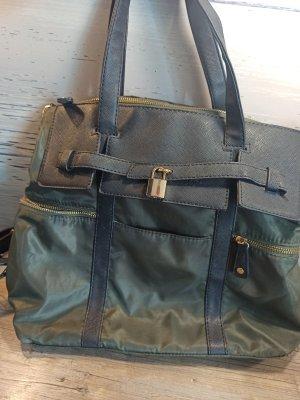 Umhänge Schulter Tasche Rucksack variabel - super Zustand da kaum genutzt