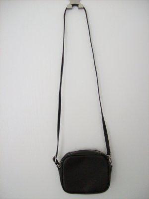 Umhängetasche schwarz von Monki
