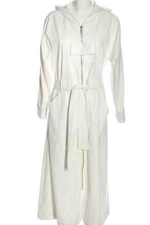 Kevser Sarıoğlu Manteau long blanc style décontracté