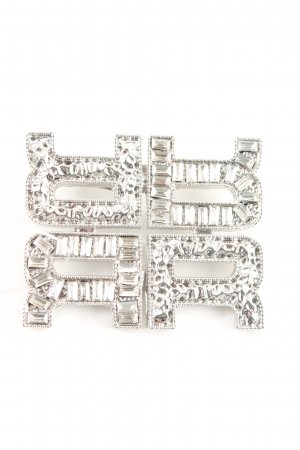 Broche color plata elegante