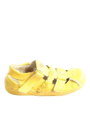 Sandalias para uso en exteriores amarillo pálido look casual