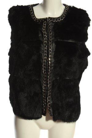 Fur vest black striped pattern casual look