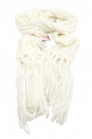 Fringed Scarf white cable stitch casual look