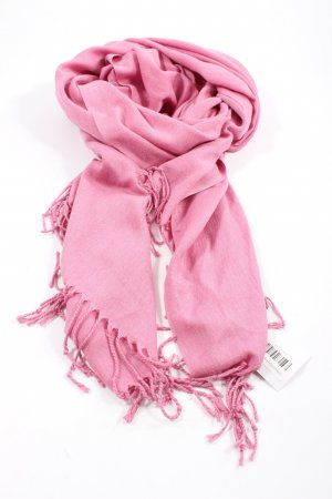 Fringed Scarf pink casual look