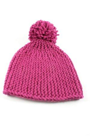 Bonnet en crochet rose torsades style décontracté