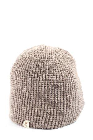 Bonnet en crochet brun style décontracté
