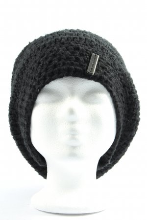 mondana Crochet Cap black casual look