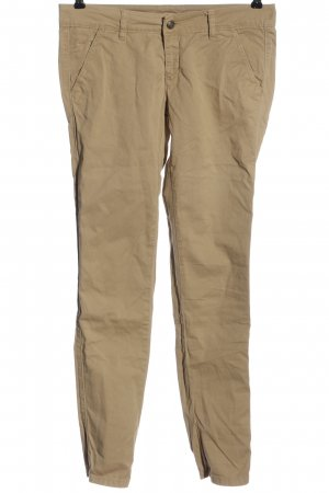 pantalón de cintura baja crema look casual