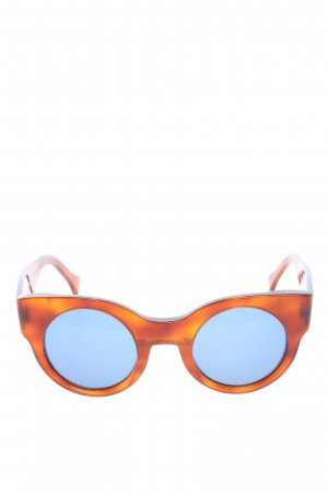 Square Glasses brown casual look