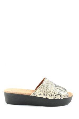 Komfort-Sandalen wollweiß-schwarz Animalmuster Casual-Look